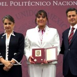 """Coordinadora de Investigación de UVM obtiene Presea """"Lázaro Cárdenas 2013""""; recibe el galardón de manos del presidente Enrique Peña Nieto"""