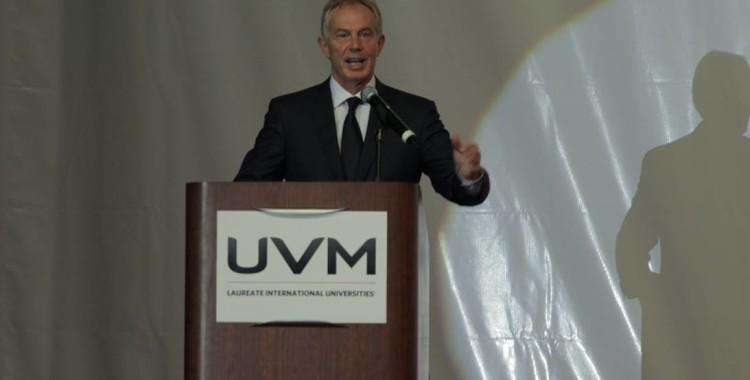 México va por buen camino y hay que continuar trabajando para consolidar el cambio, afirma Tony Blair, Ex Primer Ministro de la Gran Bretaña