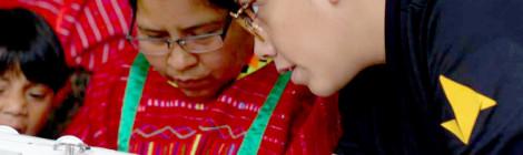 Estudiantes de la UVM apoyan a comunidad de artesanos Triqui