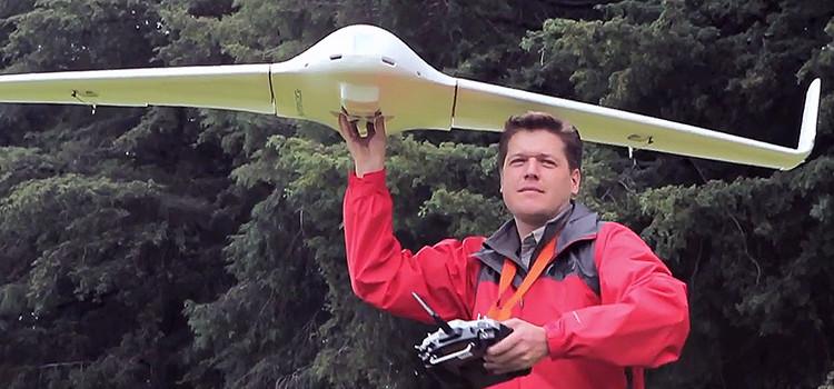 Egresado de UVM, proyecta el desarrollo de drones para ayuda humanitaria