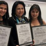 Galardonan a dos estudiantes de UVM con el Premio al Mérito Emprendedor Puebla 2016