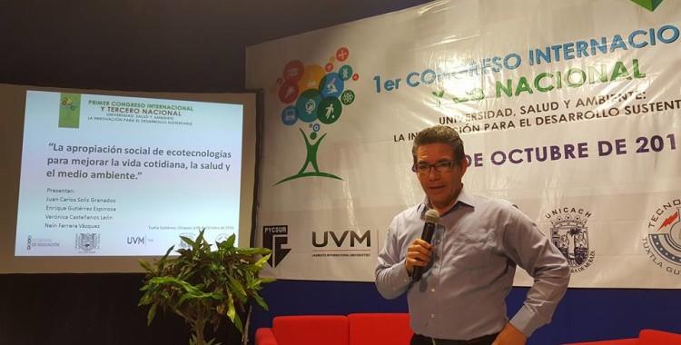 Estufas ecológicas creadas por docentes de UVM, ayudan a prevenir enfermedades respiratorias en mujeres de Chiapas