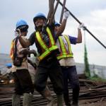 Una tercera parte de los empleados en México aún cobra su salario en efectivo: COP UVM