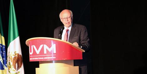 UVM realiza el primer simposio de nuevas tecnologías en educación de profesionales de la salud
