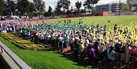 Estudiantes de UVM brindan atención médica en la 25 Caminata del paciente con diabetes