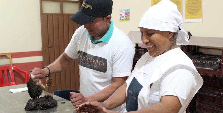Oaxacanita Chocolate, producto que impacta económica, social y ambiental en la Mixteca Oaxaqueña: Germán Santillán, Ganador del Premio UVM 2017